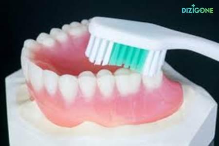 nấm miệng do răng giả
